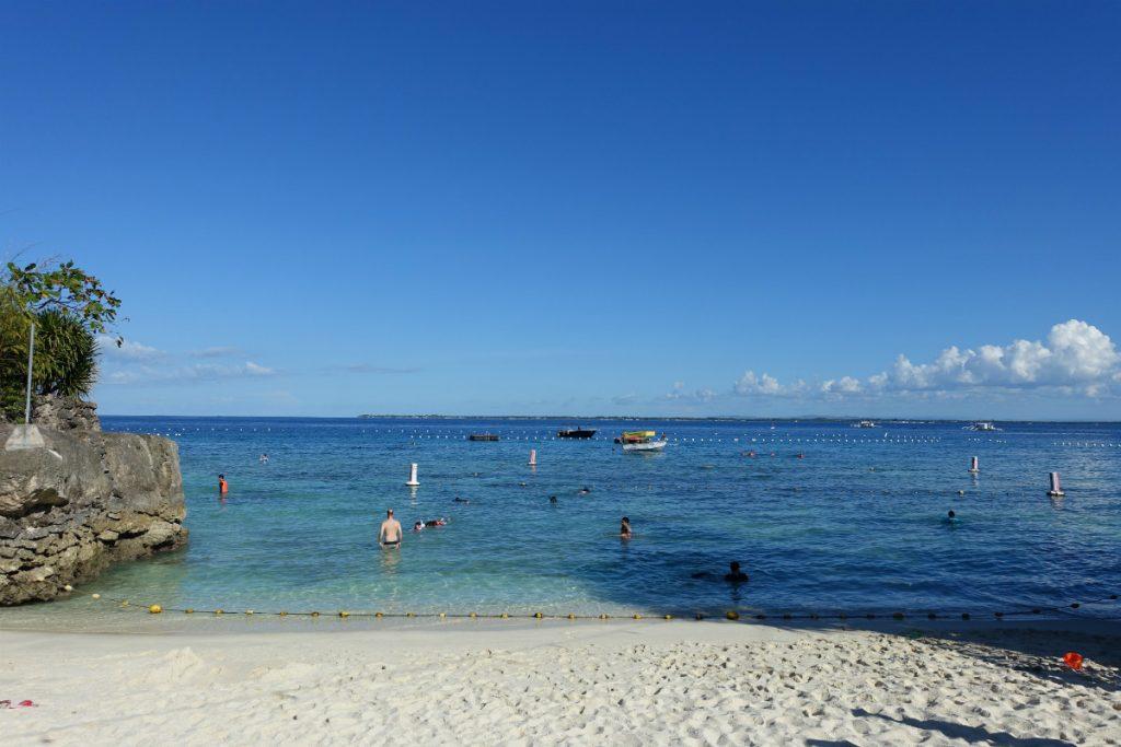 Shangri-La Mactanビーチ