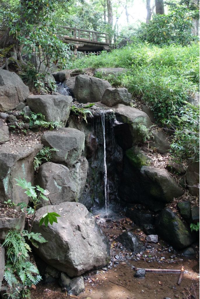 有栖川宮記念公園北東の滝