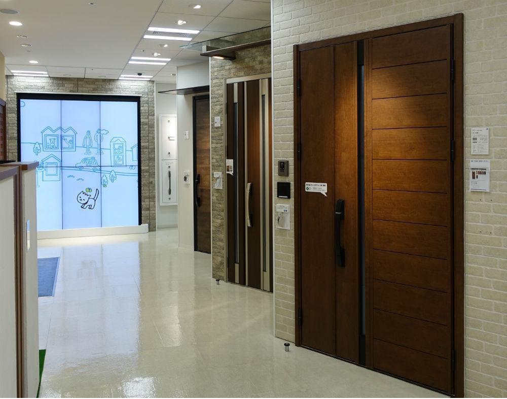 東京コラボレーションショールーム YKK AP 玄関ドア展示