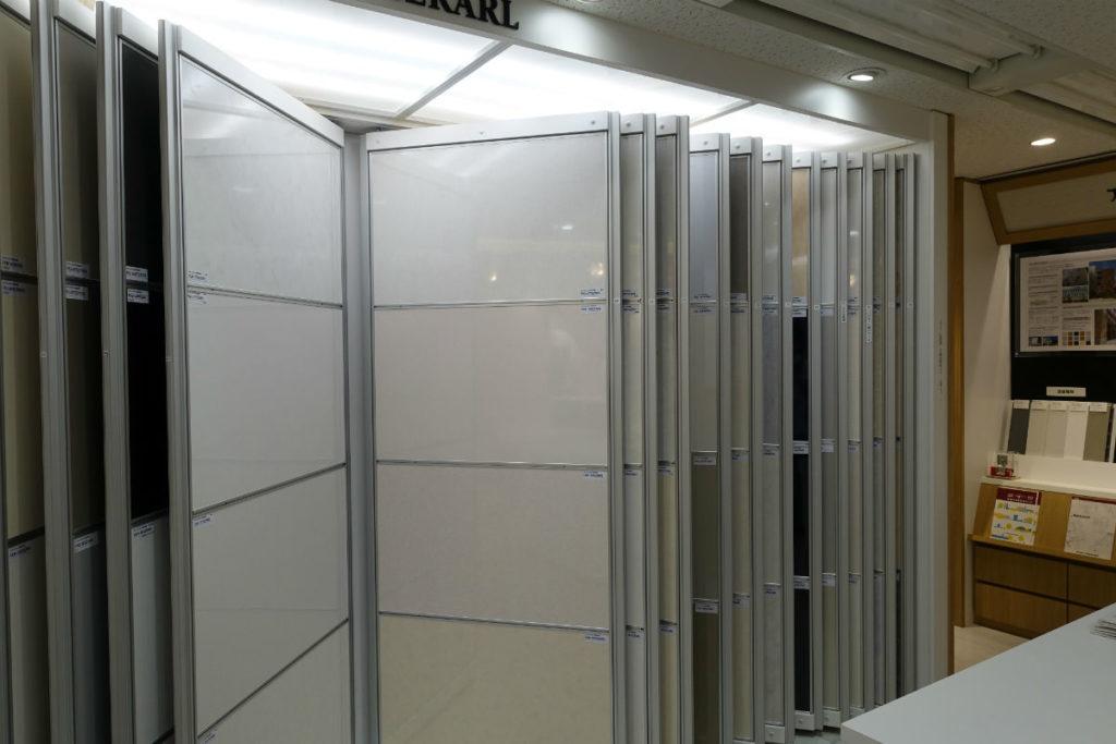 アイカ工業東京ショールーム メラミン化粧版 大判の展示