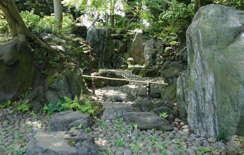 旧古河庭園 心字池西の枯滝