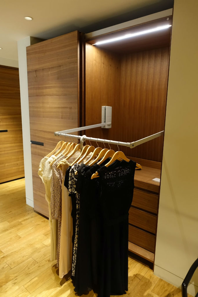 TIME&STYLE HOUSE STORAGE クローゼット 高い所を引き出す