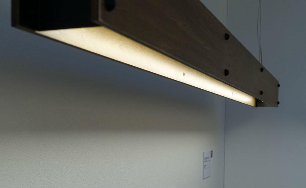 ODELIC東京ショールーム2F 木製フレームのライト
