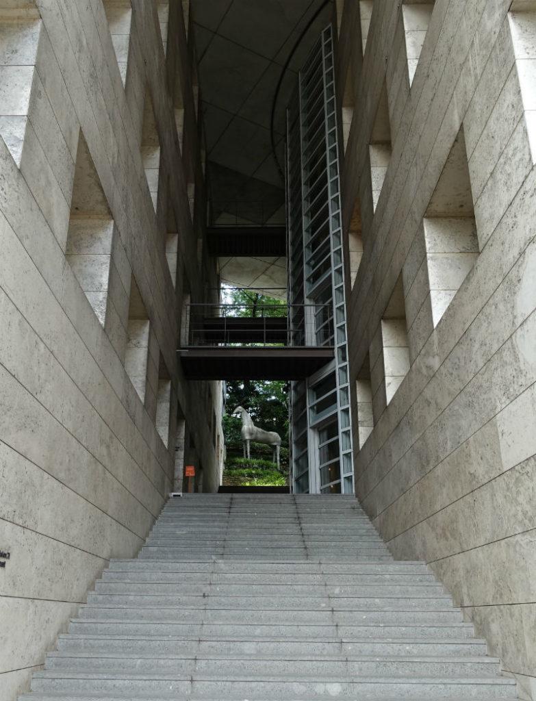 東京デザインセンター 入口の階段