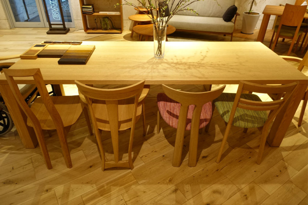 Shirakawa 多種の椅子
