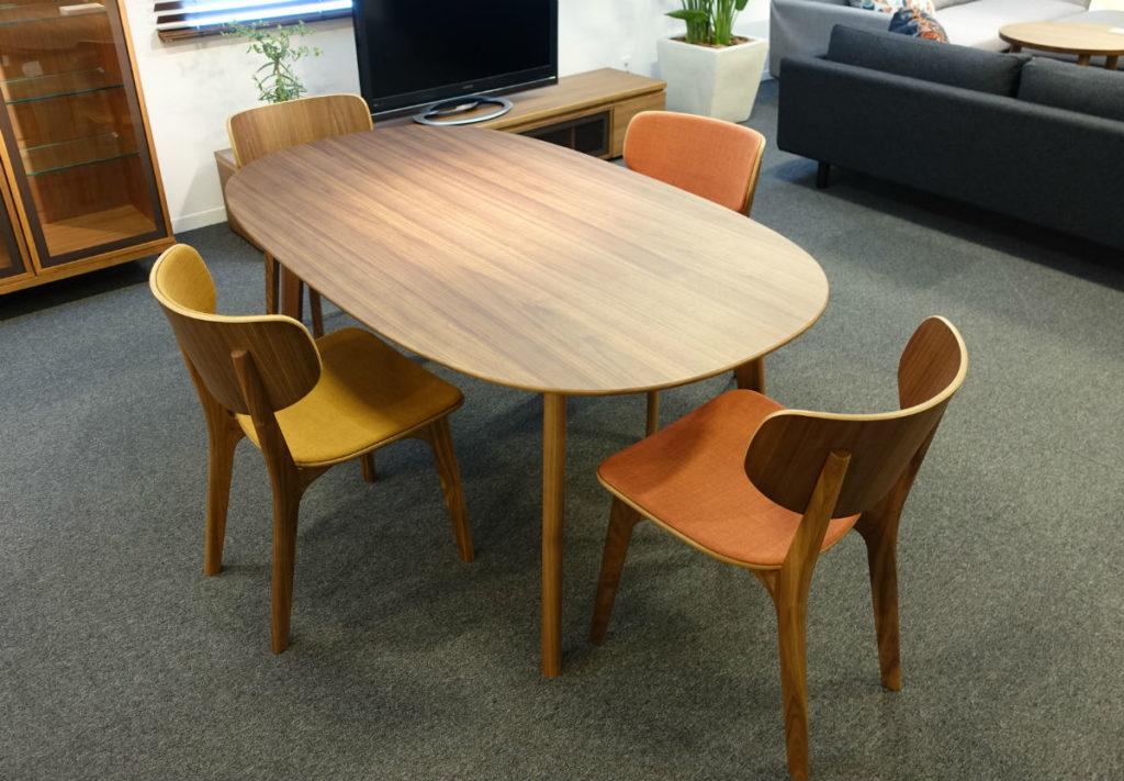 maruni tokyoショップ ダイニング Roundish table and chair