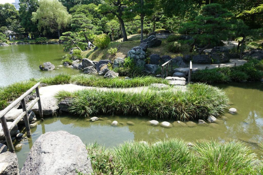 清澄庭園 池のほとり