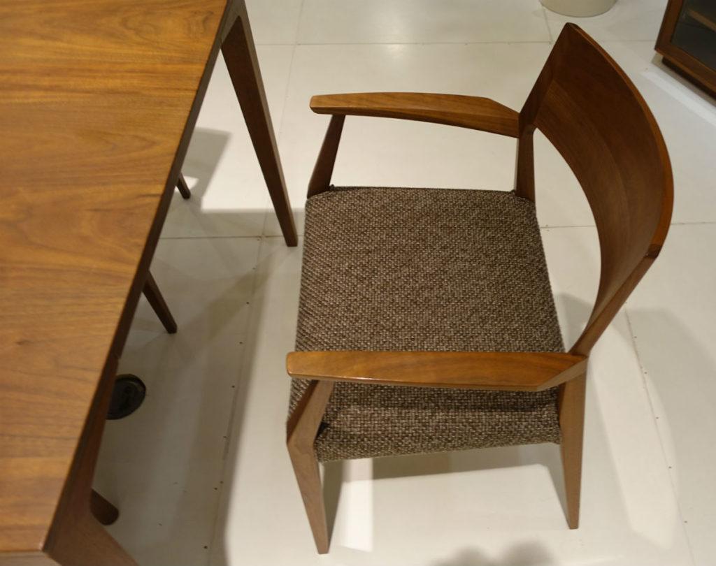 日進木工 Forms armchair