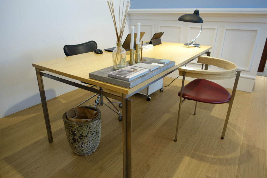 Fritz Hansen PK 55 table