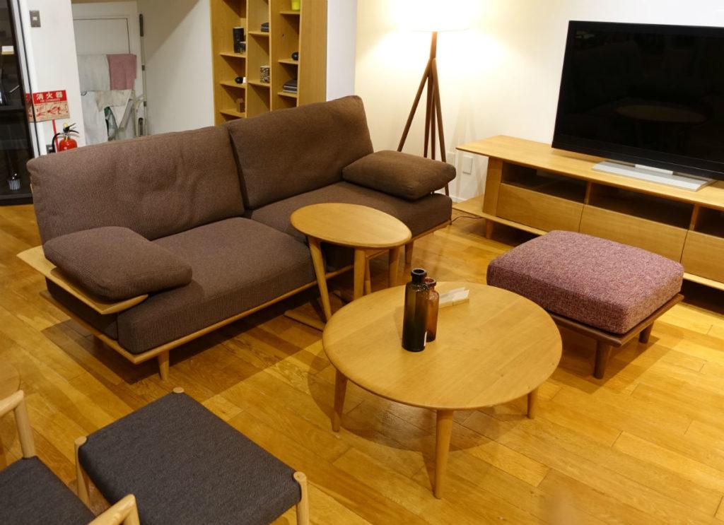 日進木工 sof sofa リビングテーブル スツール奥 AVボード サイドテーブル
