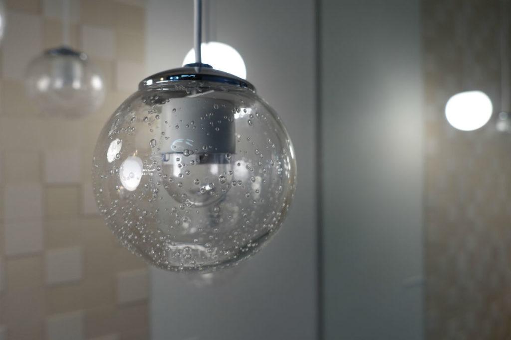 KOIZUMI ショールーム東京 ペンダント ガラス内に気泡