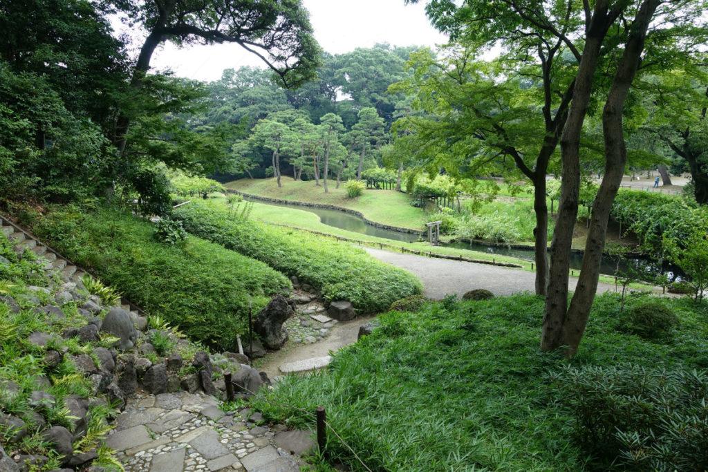 小石川後楽園 八卦堂跡付近から神田上水跡を見下ろす