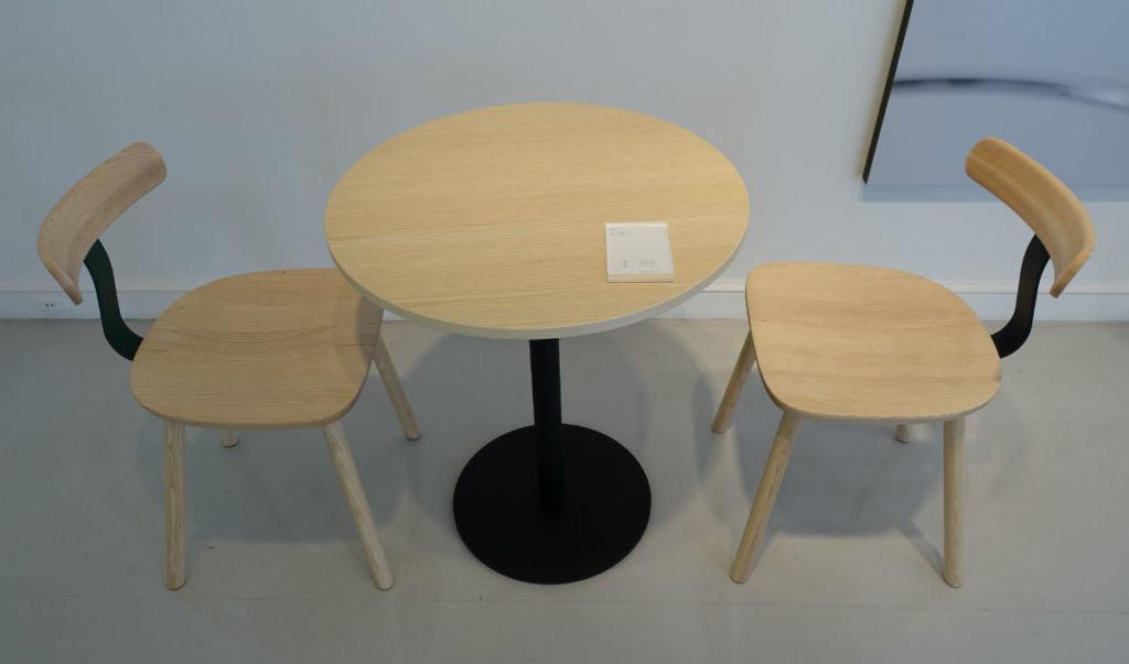 maruni tokyoショップ T1チェアとラウンドテーブル
