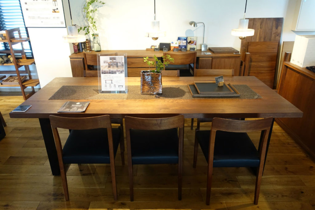 Master Wal 東京 Thick41 table TL chair