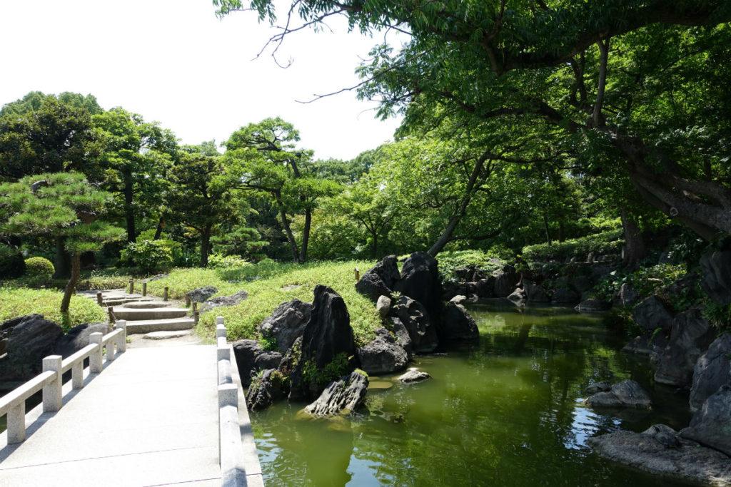 清澄庭園 長瀞峡 と名付けられた流れ