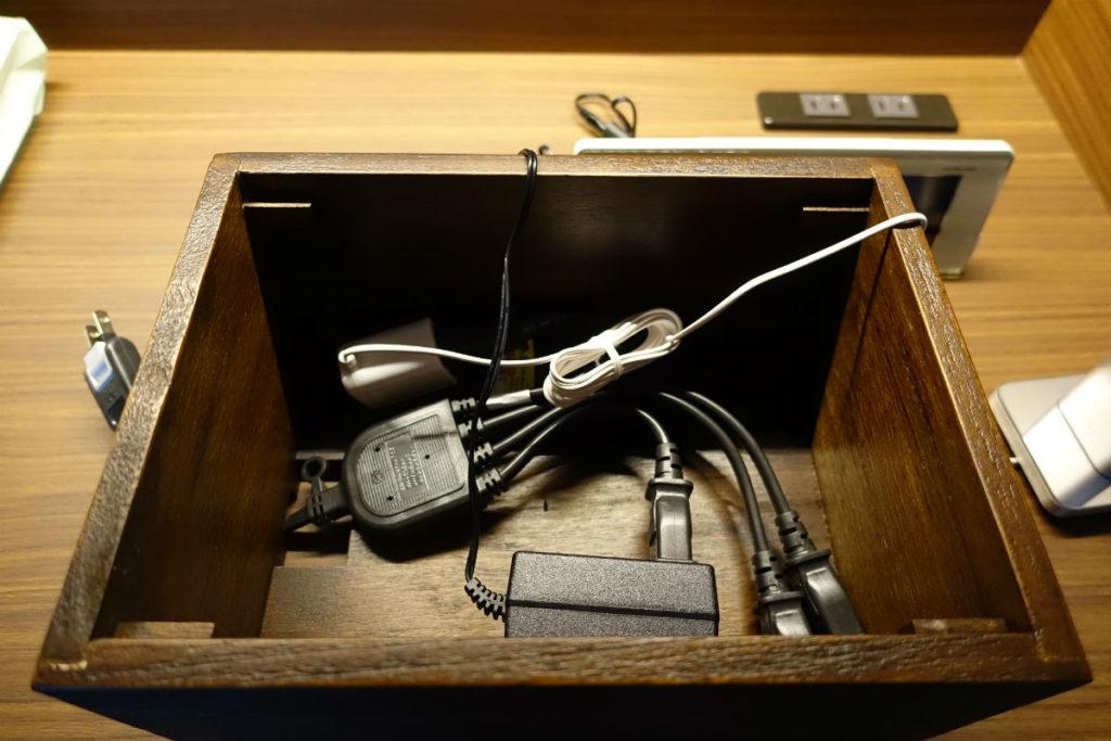 木製ケーブルボックス ACアダプタやタップを収納