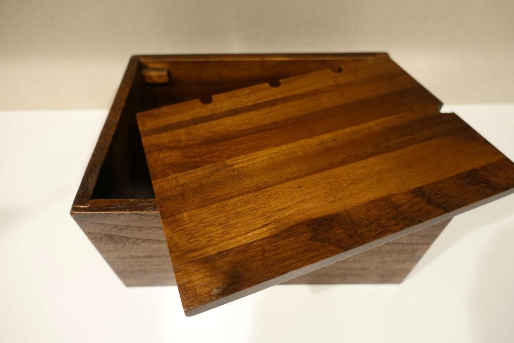 木製ケーブルボックス 蓋に切り欠き