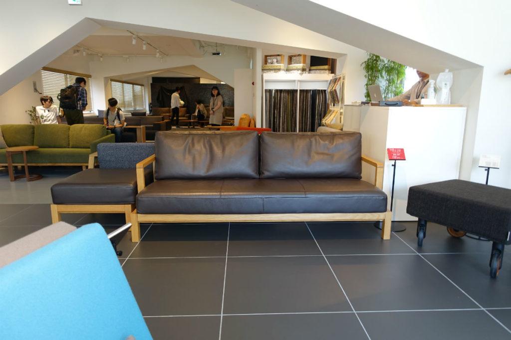 FLANNEL sofa 全景とSTRAND