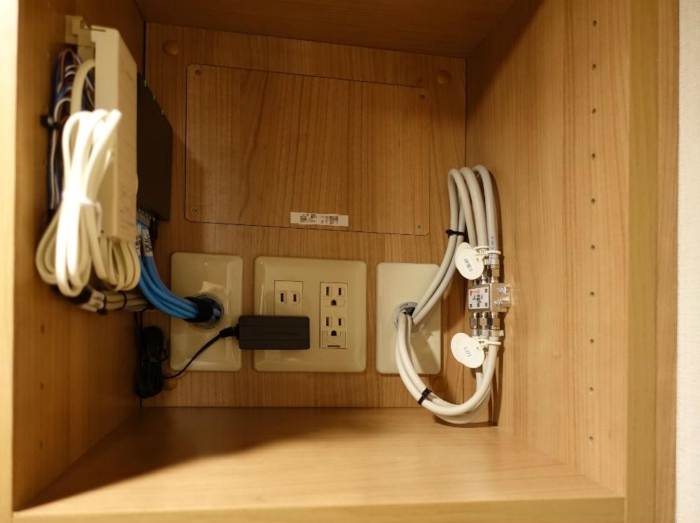 SICのHUBや有線TV、電話の配電盤