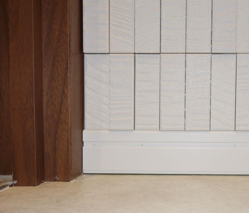 エコカラット ラプソーン ドア枠や巾木との境界