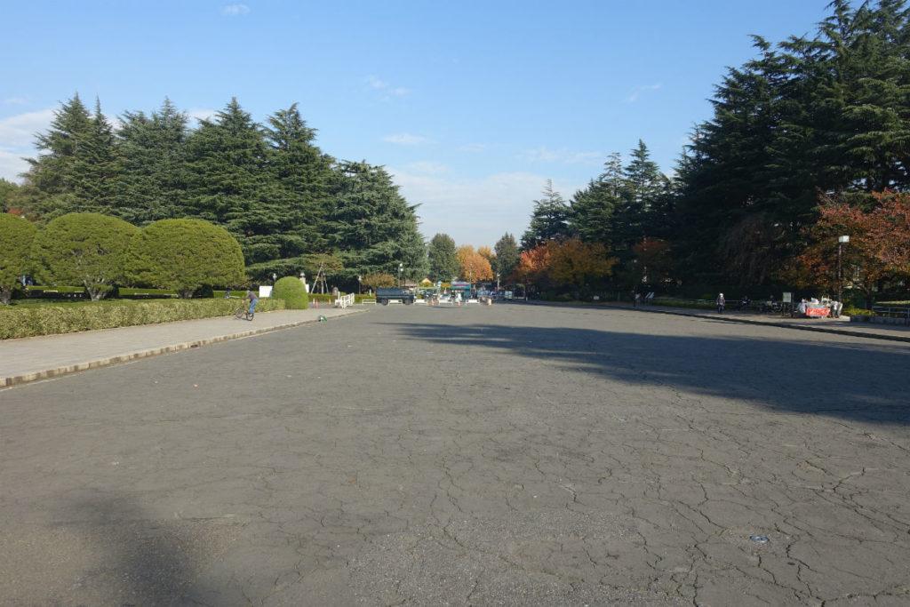 明治神宮外苑 聖徳記念絵画館正面からにこにこパーク