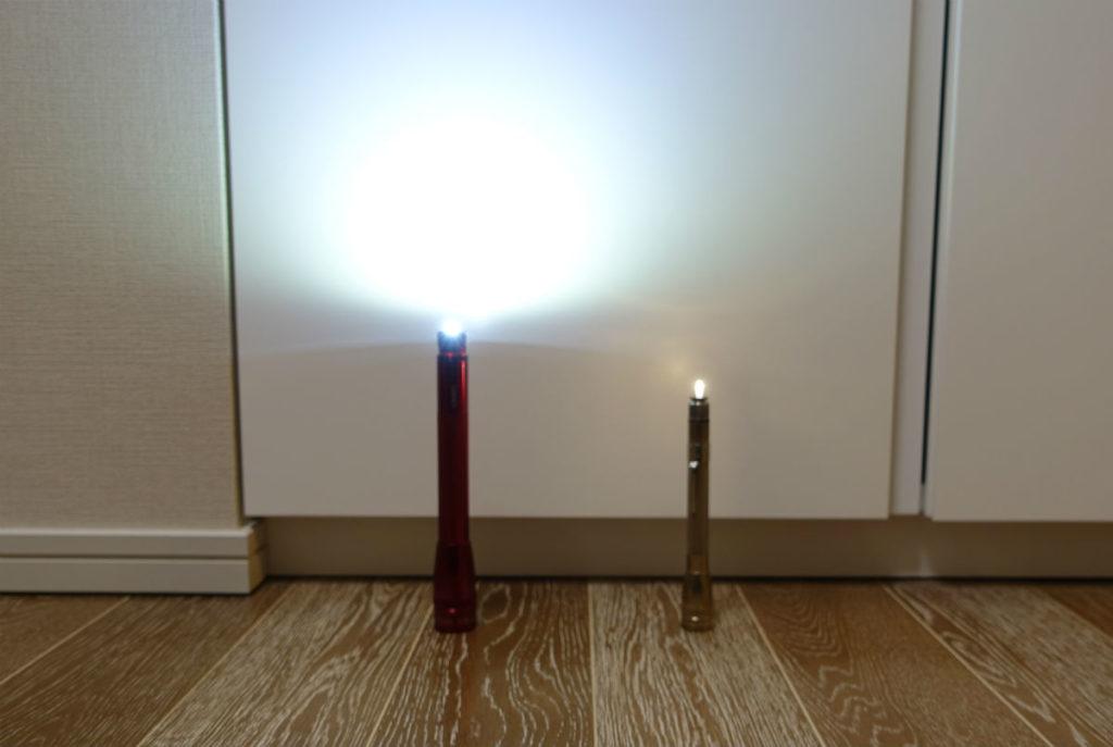 MINI MAGLITE LED AA LEDと電球 キャンドルモード