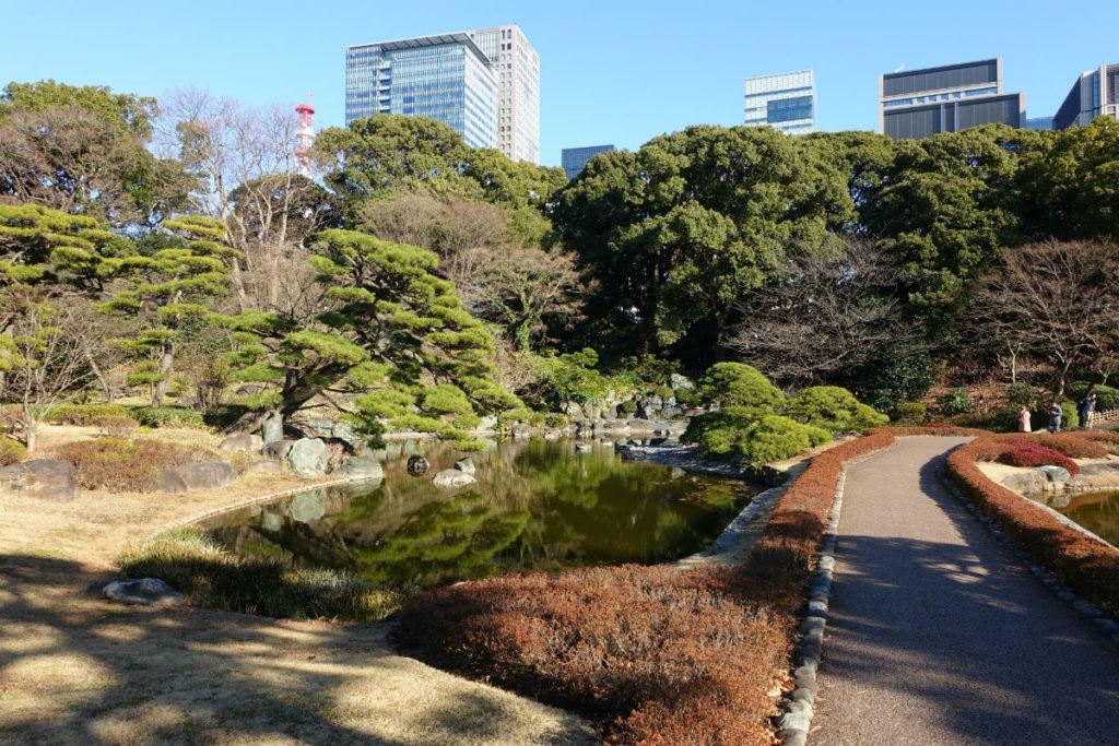 皇居東御苑 二の丸庭園の池