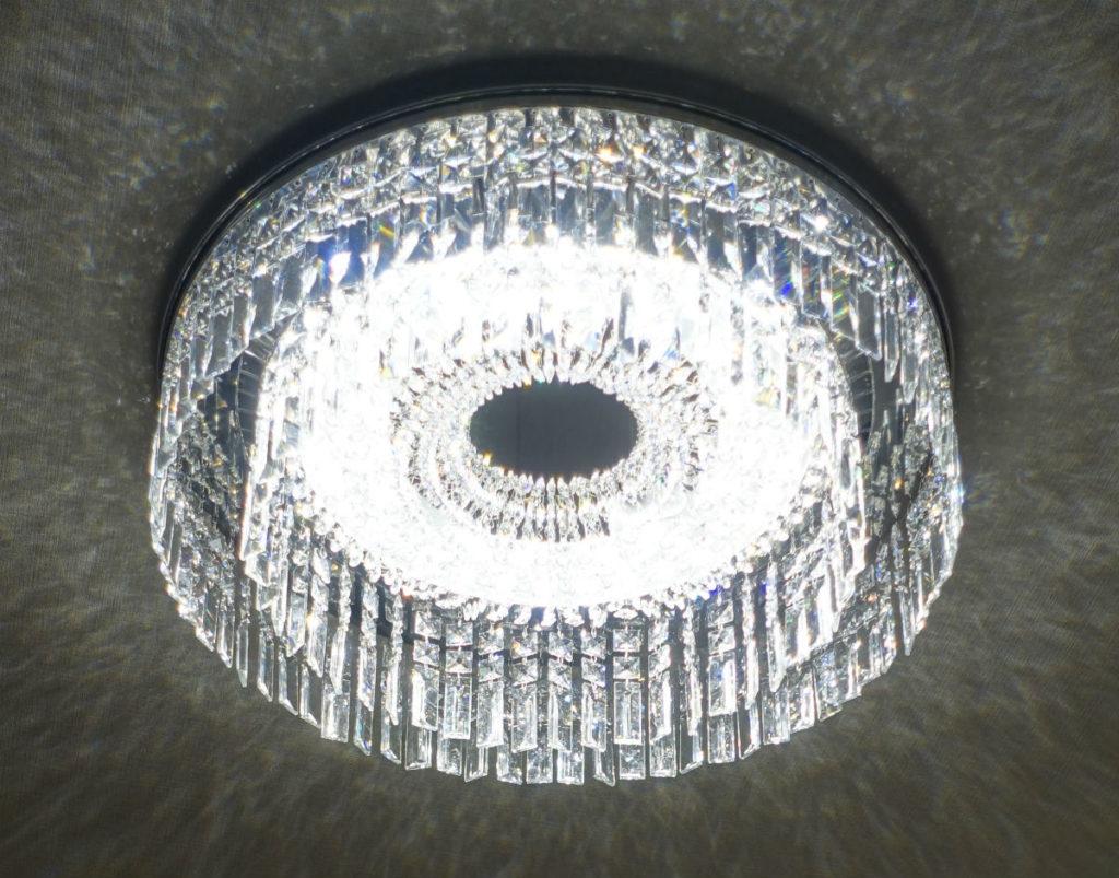 Panasonic シャンデリング LGBZ2434 点灯時 LED素子はほとんど分からない