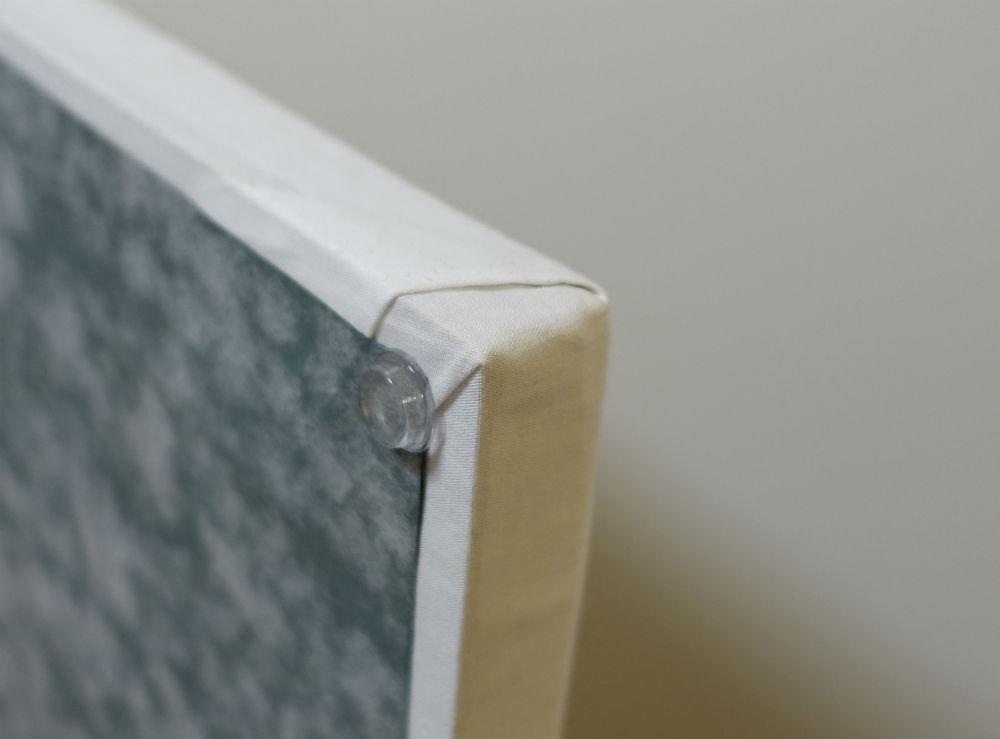 平型シンプルアイロン台 裏面にクッション材を貼り付け