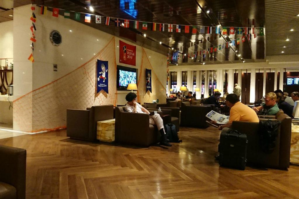 シンガポールチャンギ空港 シルバークリスラウンジ W杯にて