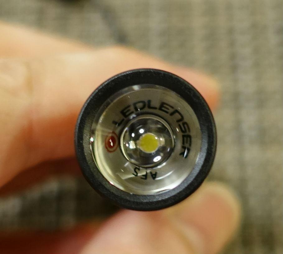 LEDLENSER P3 レンズを通してみる発光部LED
