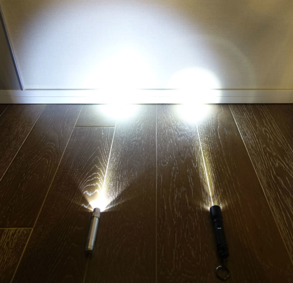 MAGLITE SOLITAIRE vs LEDLENSER P3 実際の点灯時