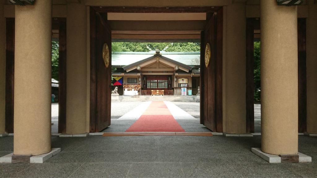 原宿 東郷神社 神門から本殿