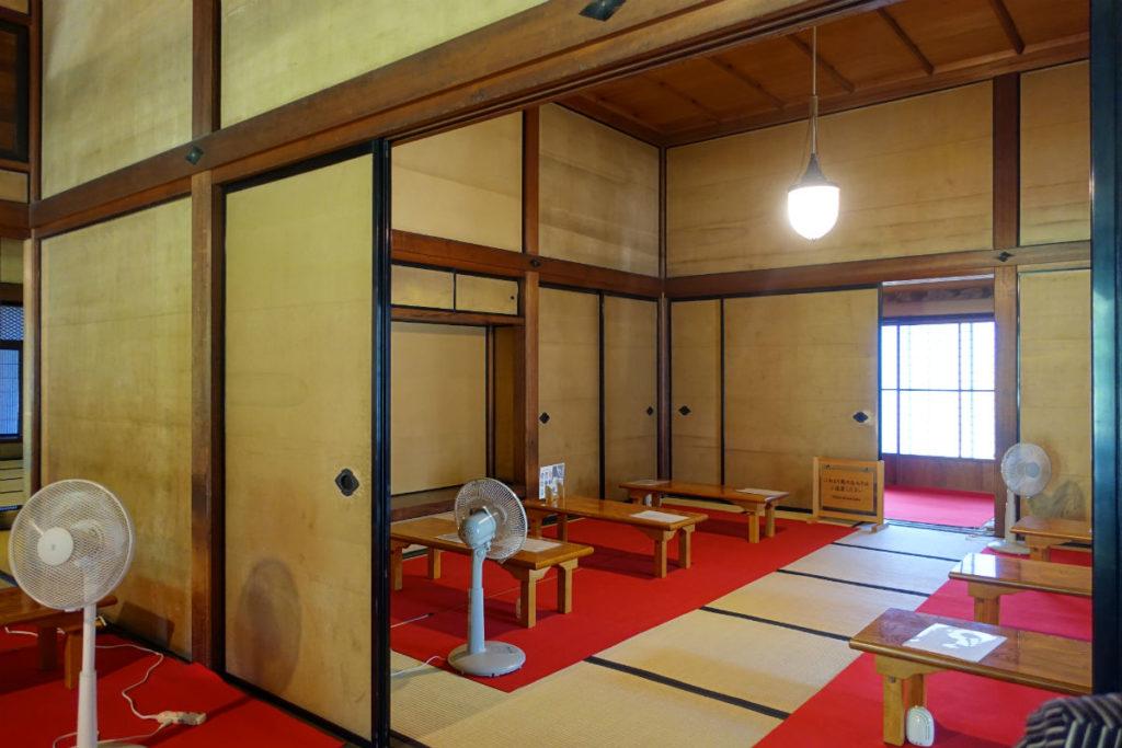 旧岩崎庭園 和館 お抹茶席 奥まで広い