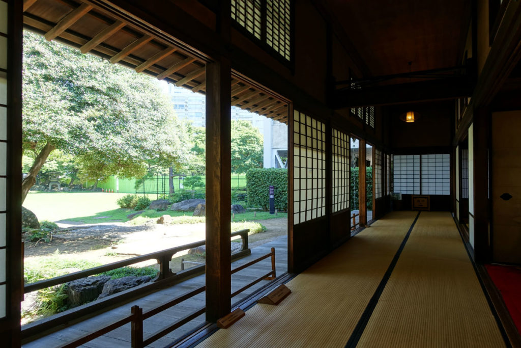 旧岩崎庭園 和館 茶店前の畳の廊下