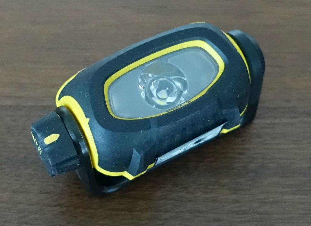 Petzl PIXA2 電池入れる1
