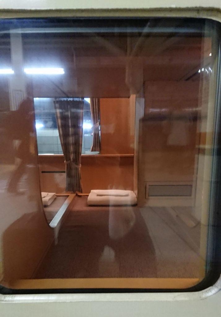 サンライズ出雲瀬戸 外から見たノビノビ座席
