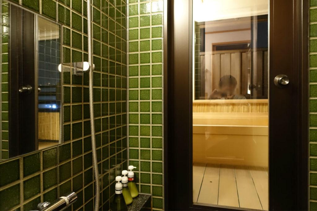強羅雪月花 翠雲 和フォース シャワー室から客室露天風呂へ2