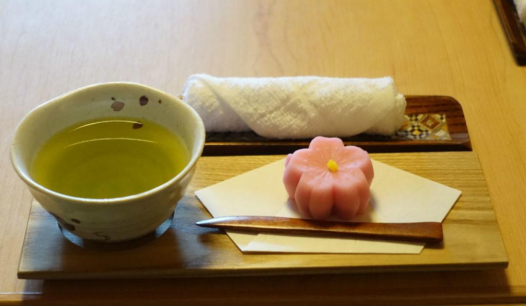 強羅雪月花 翠雲 和フォース チェックイン時のお茶とお菓子