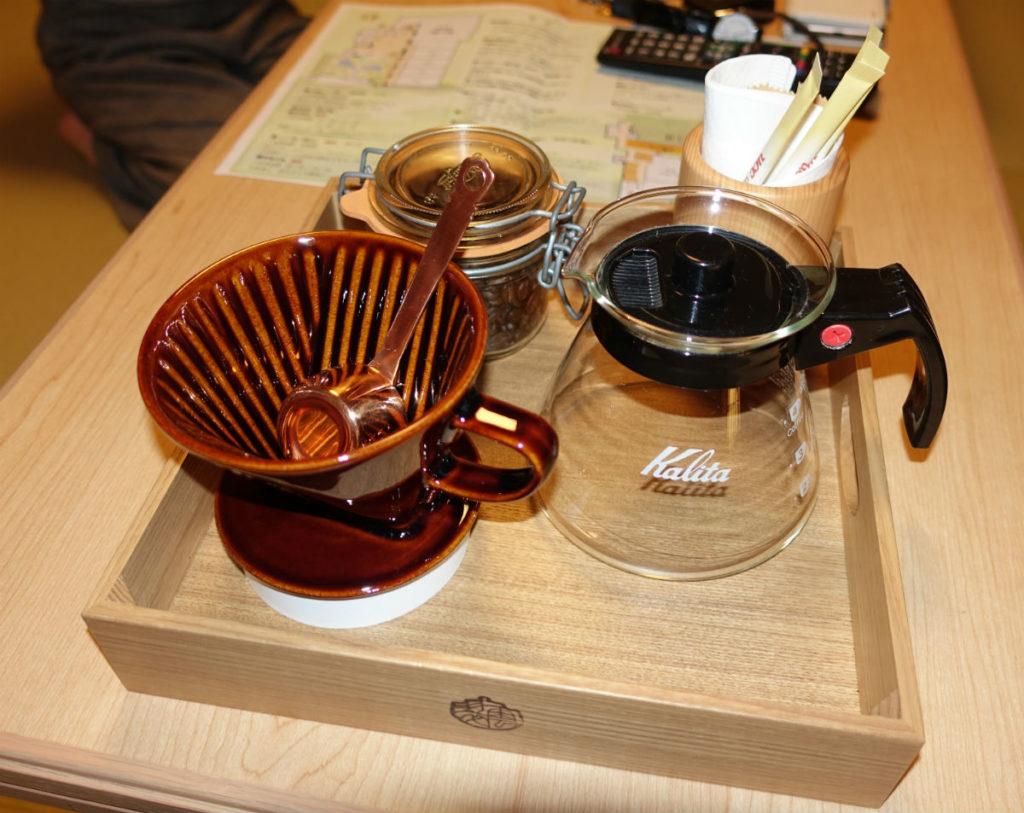 強羅雪月花 翠雲 和フォース 客室のコーヒーセット