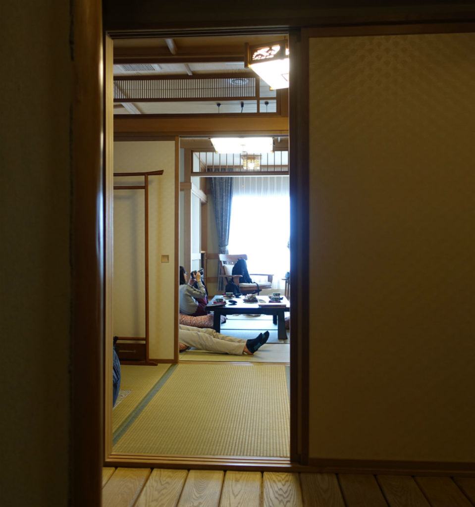 小樽 宏楽園 客室玄関 居間 縁側