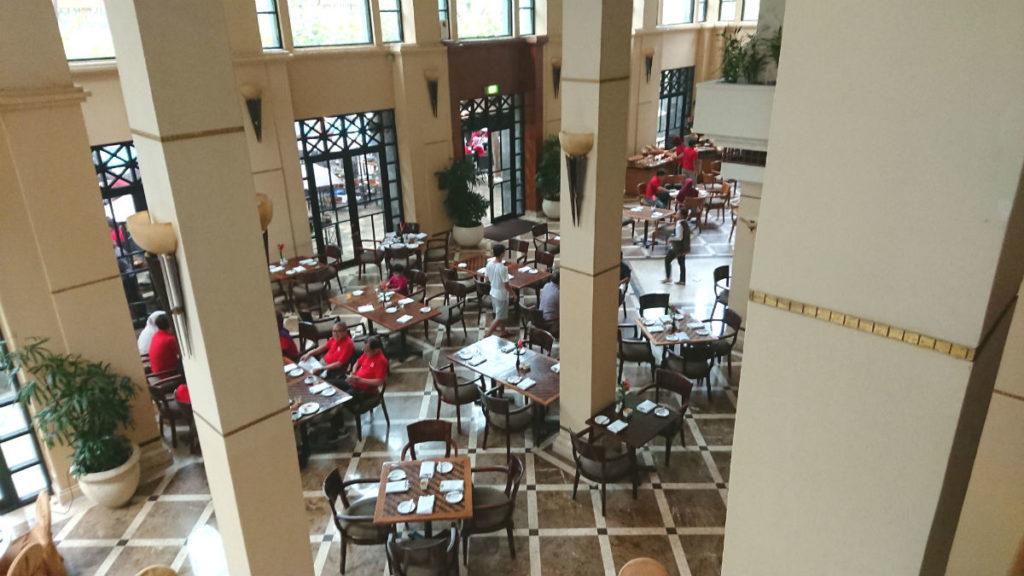 ハイアットリージェンシー ジョグジャカルタ Kemangi Bistroで朝食 ロビー階から見下ろす
