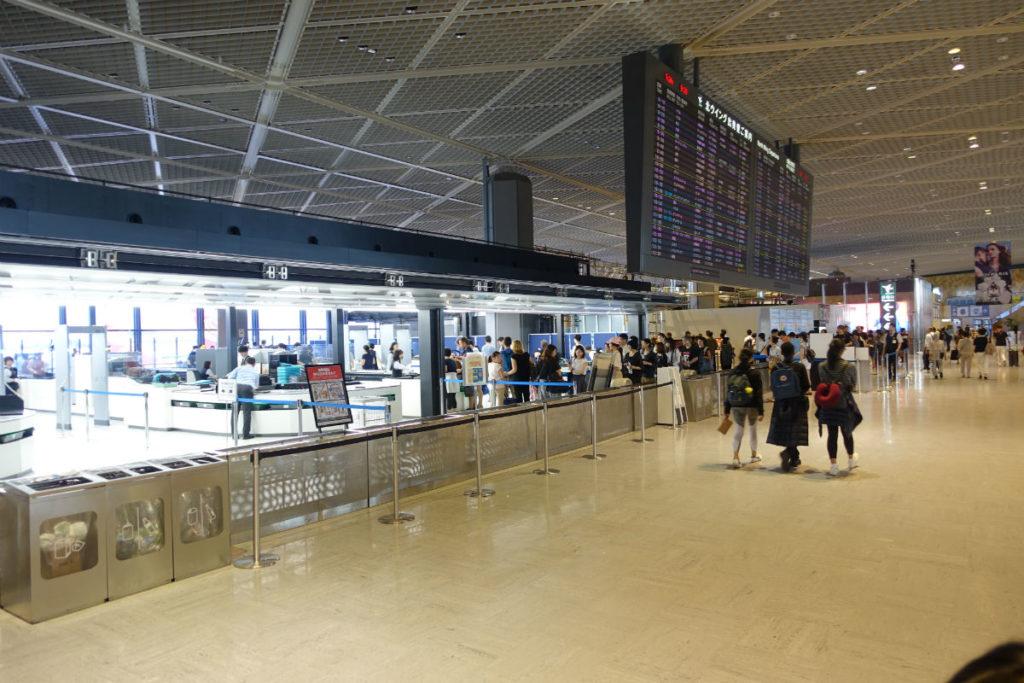 成田空港第一ターミナル4F 北ウィング 保安検査入り口