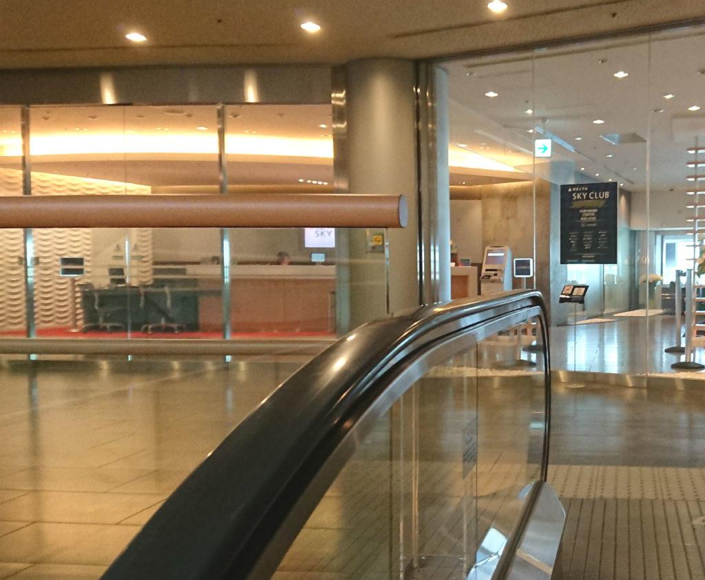 成田空港第一ターミナル4F デルタ スカイクラブ 入り口