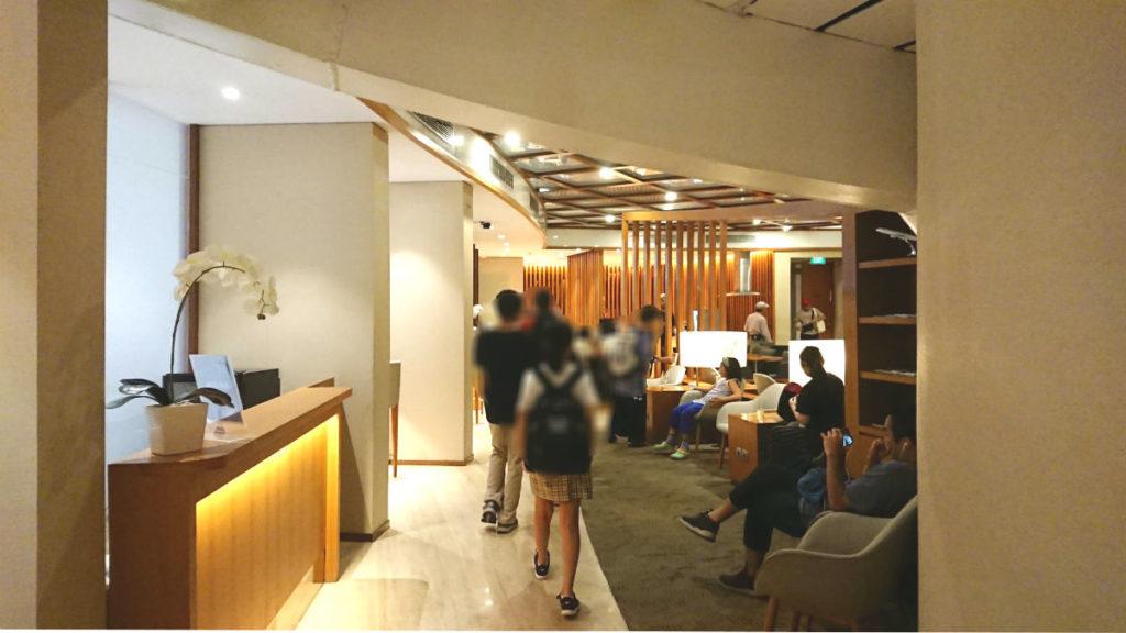 バリデンパサール ングラ・ライ国際空港 ガルーダインドネシア航空のラウンジ ビジネスクラスのエリア