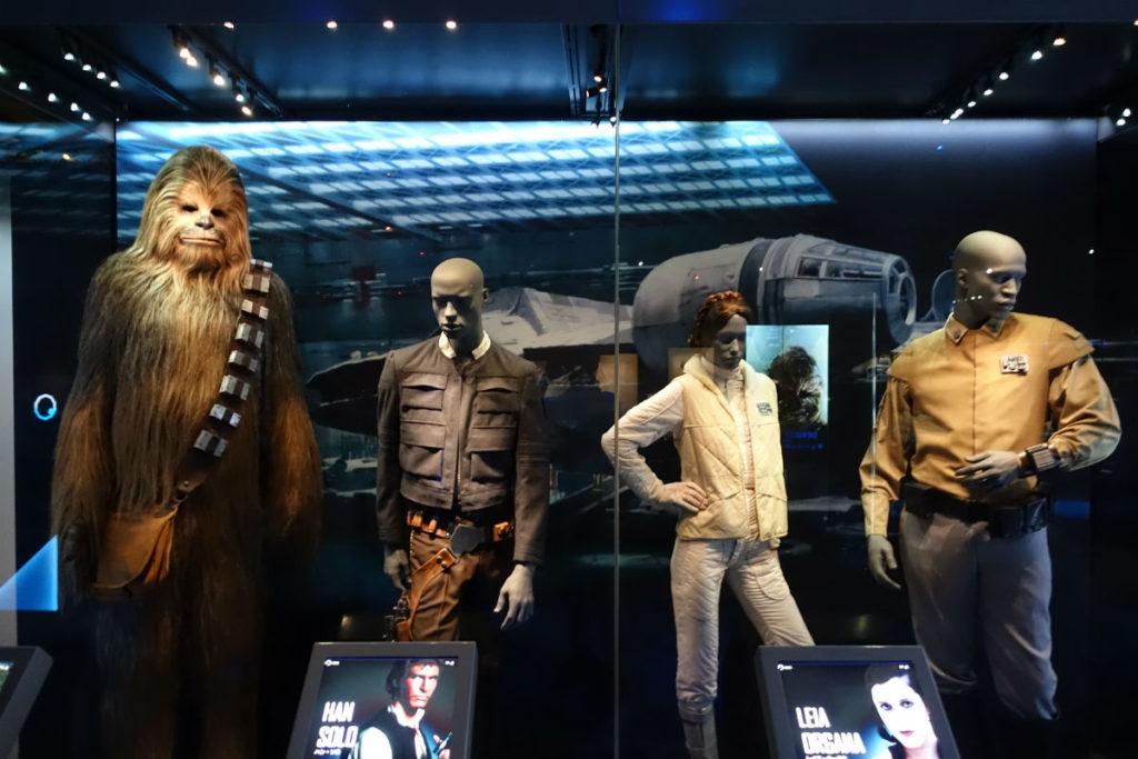 Star Wars Identities Japan チューバッカ ハンソロ レイア 衣装等