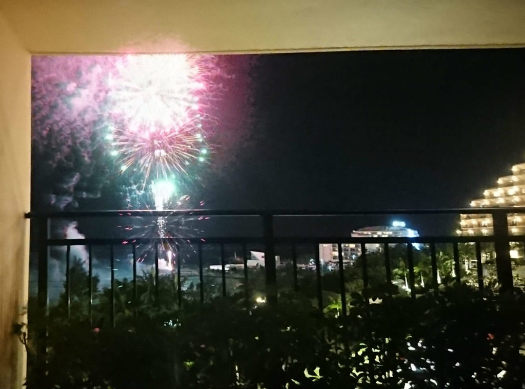 カフーリゾートフチャク コンド・ホテル ホテル棟 新年カウントダウンの花火