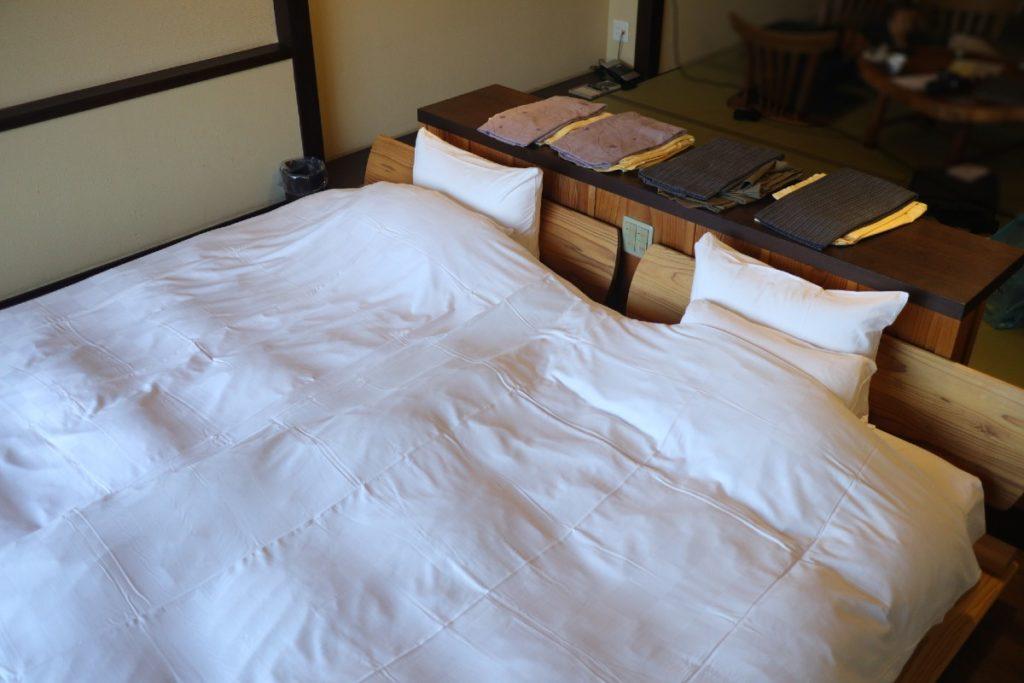 強羅花扇準特別室 ベッド